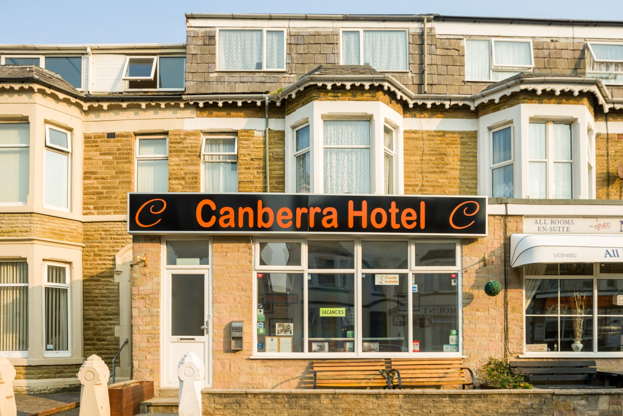 canberra hotel